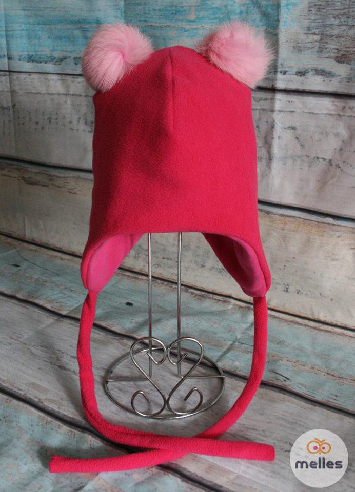 Флисовая шапка с двумя натуральными помпонами
